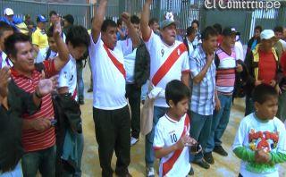 VIDEO: hinchas se preparan para el Perú–Ecuador en las afueras del Nacional