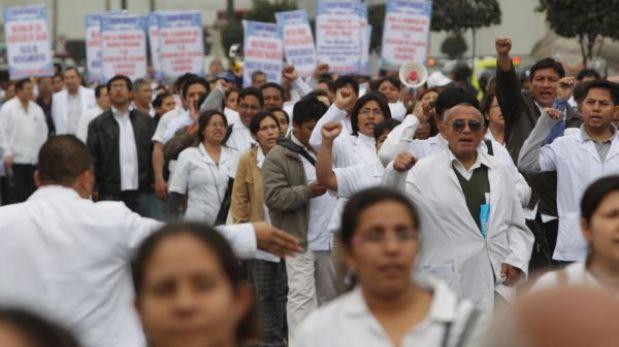 Médicos del Minsa anunciaron nueva huelga indefinida para julio