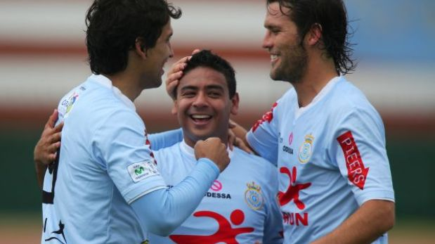 Real Garcilaso venció 2-0 a UTC y es nuevo líder de la Copa Movistar 2013