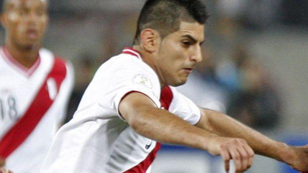 La primera baja de Perú: Carlos Zambrano no jugará ante Uruguay