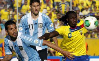 "Ecuador protestará ante FIFA por ""tres penales"" no cobrados ante Argentina"