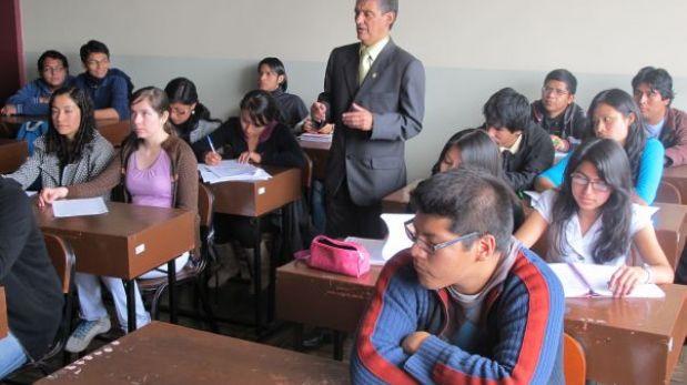 Acreditación de universidades mejorará nivel educativo, dijo rector de la UPC