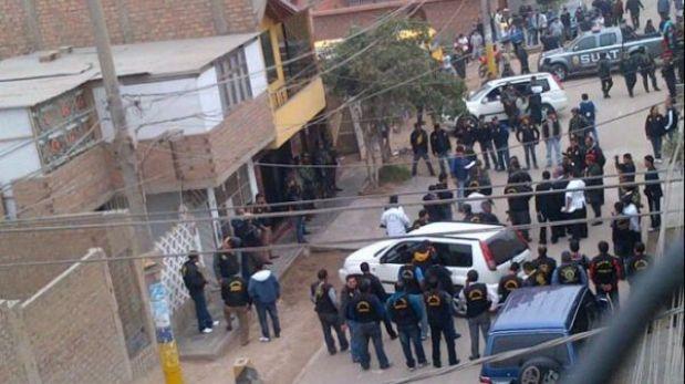 Asesino de Luis Choy y cómplices acribillaron a policía pero chaleco lo salvó