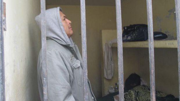 FOTOS: policías detenidos por fuga de delincuente 'Pícolo' permanecen en carceleta de Chiclayo