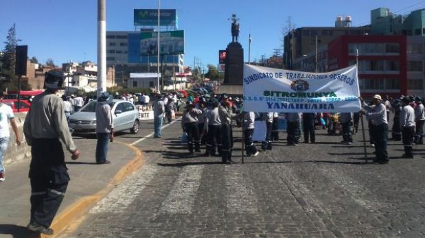 Trabajadores estatales reanudaron protestas contra Ley del Servicio Civil