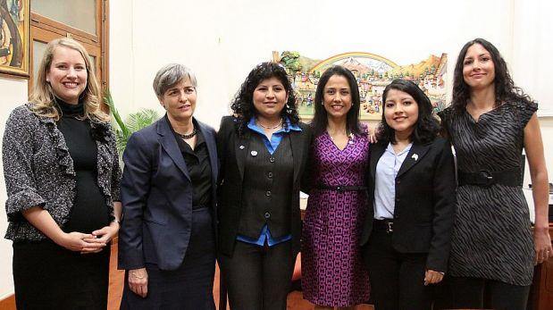 FOTOS: las peruanas que trabajan en la NASA se reunieron con Nadine Heredia