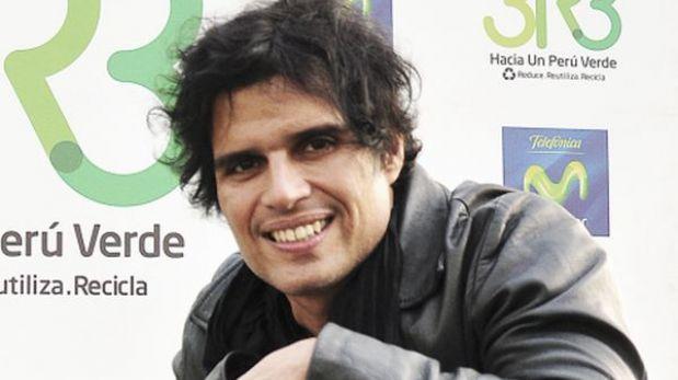 Pedro Suárez Vértiz protesta por críticas a músicos en Internet