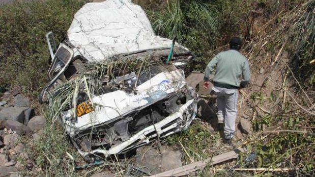 Áncash: a 15 se elevó el número de fallecidos tras caída de combi a abismo