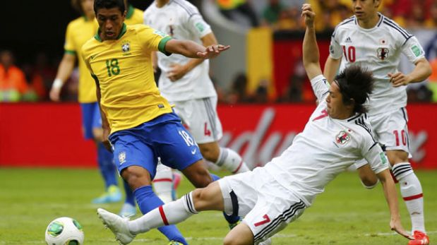 Paulinho dejó el Corinthians y fichó por el Tottenham