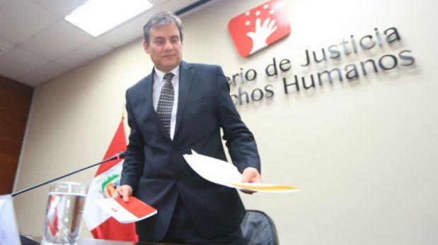 Fiscalía investigará las conmutaciones de penas dadas por ministro Figallo