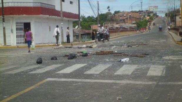 Iquitos: manifestantes dejan desperdicios en vías durante protesta