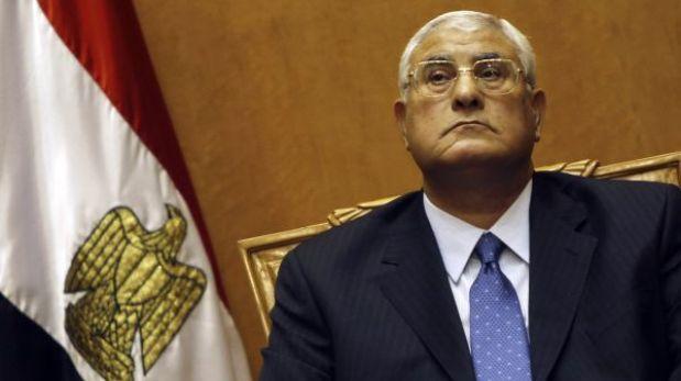 Egipto: presidente interino disolvió la Cámara alta del Parlamento