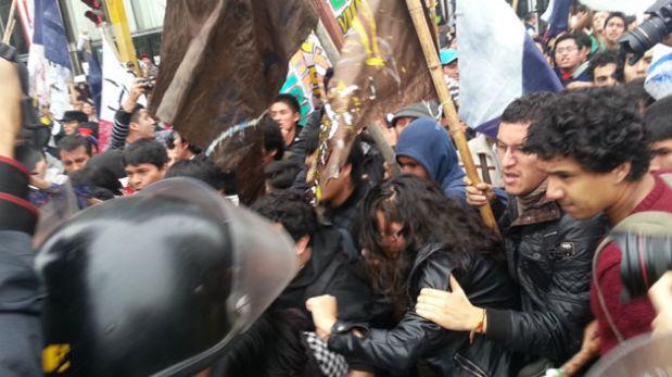 Detenidos por las protestas en Lima fueron llevados a la Fiscalía