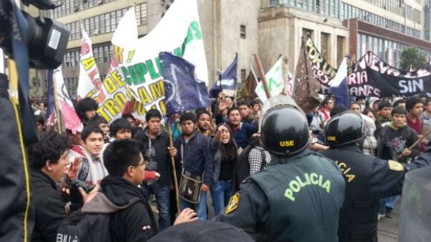 Ponen en libertad a los manifestantes de las protestas cerca del Congreso