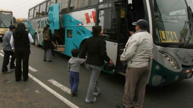 Ladrones se hicieron pasar por pasajeros para asaltar bus en Huaura