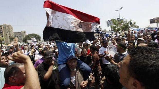 Egipto: balacera frente a sede militar deja al menos 42 muertos y 300 heridos