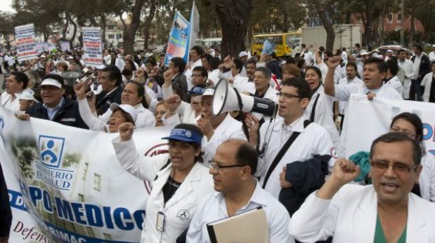 "Minsa intenta con ""carta abierta"" frenar huelga médica que lleva 19 días"