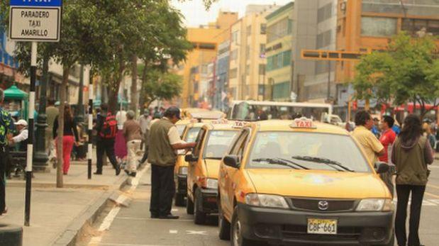 Taxistas empadronados en Lima recibirán sus credenciales a partir de octubre