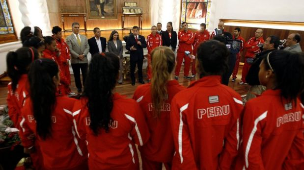 FOTOS: las 'matadorcitas' fueron homenajeadas en Palacio de Gobierno por el presidente Ollanta Humala