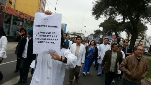 Huelga médica acabará hoy si asamblea respalda oferta de S/.1.280 como aumento mínimo
