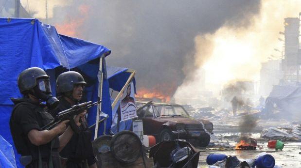 Egipto: decenas de muertos dejó desalojo de seguidores de Mursi en El Cairo