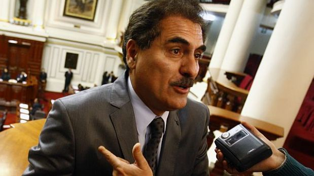 Fujimoristas retiraron firmas de moción de censura contra Pedro Cateriano