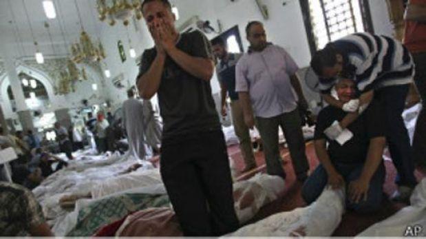 """Egipto: """"El ambiente era inhumano, había cadáveres por todas partes"""""""