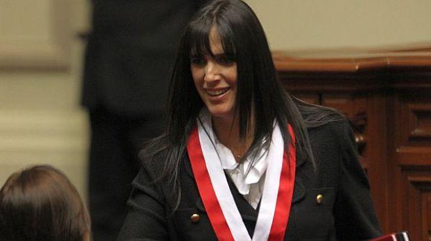 "Gaby Pérez del Solar: ""Cenaida Uribe se cogió de mí para ser congresista"""