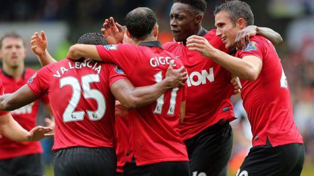 Manchester United goleó 4-1 a Swansea con doblete de Van Persie