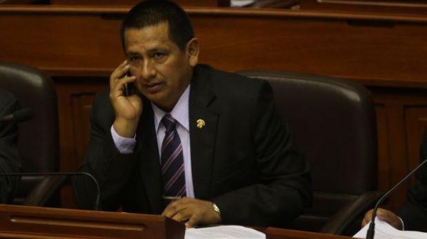 Gana Perú aún no define quién reemplazará a Acha en la Comisión de Defensa