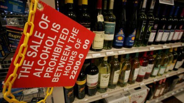 Estados Unidos: La Marina regula venta de alcohol en sus bases