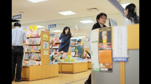 FOTOS: la artista japonesa que levita en sus fotos