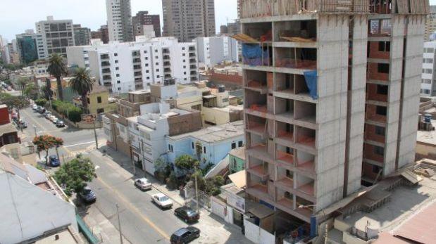 San Isidro criticó la inacción de Lima en el conflicto por licencias de edificación