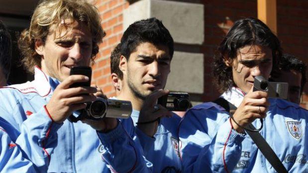 Uruguay viene con todo: Forlán, Suárez y Cavani estarán ante Perú