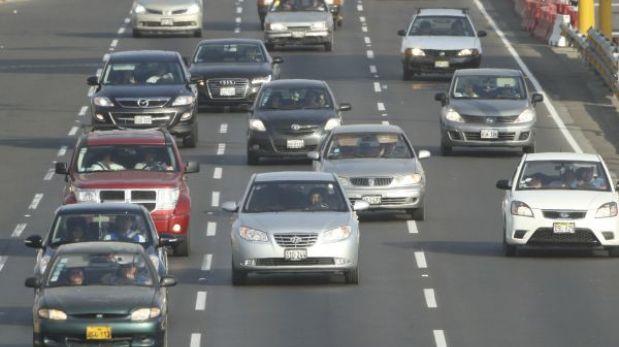 ¿Cómo ahorrar combustible al conducir un vehículo? Sigue estos consejos