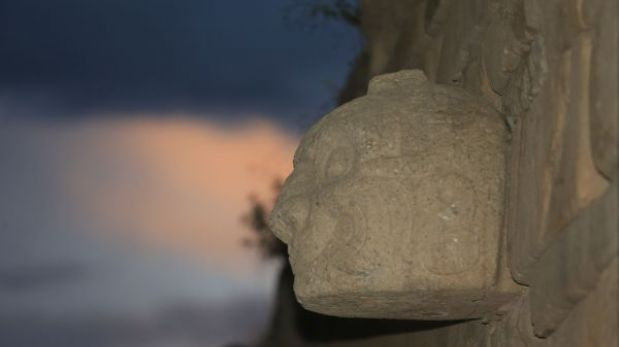 Dos cabezas clavas fueron halladas en el templo de Chavín