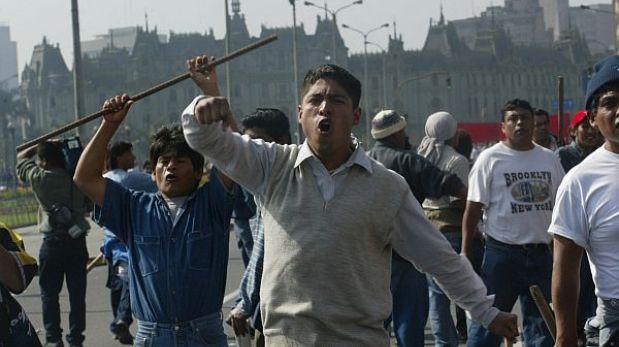 Ica: obreros de la minera Shougang marcharon por la Panamericana Sur