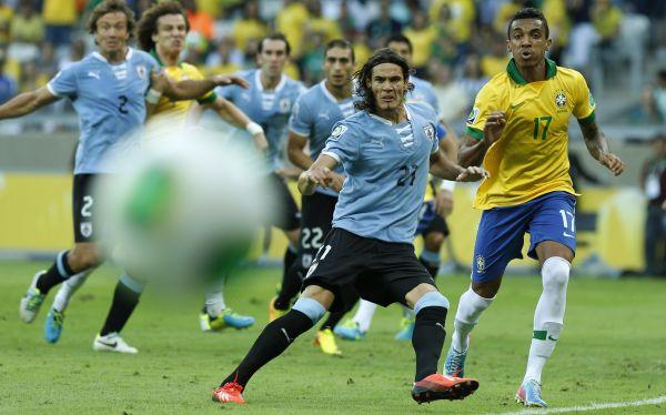 Cavani asegura que Uruguay buscará mostrar el nivel de la Copa Confederaciones