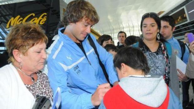 """""""Perú es la primera de las cuatro finales"""", dijo Lugano subiendo al avión"""