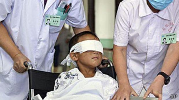 Niño chino al que le sacaron los ojos podría haber sido atacado por su tía