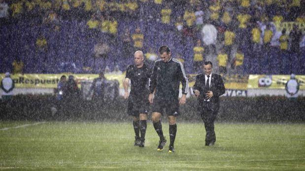 FOTOS: la intensa lluvia que retrasó el duelo entre Colombia y Ecuador en Barranquilla