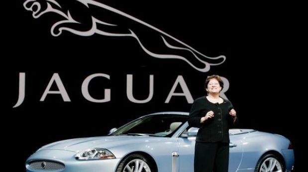 La lujosa Jaguar ingresará al mercado masivo de camionetas y sedanes