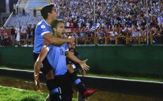 Uruguay ganó 2-0 a Colombia y peleará con Ecuador pase directo a Brasil 2014