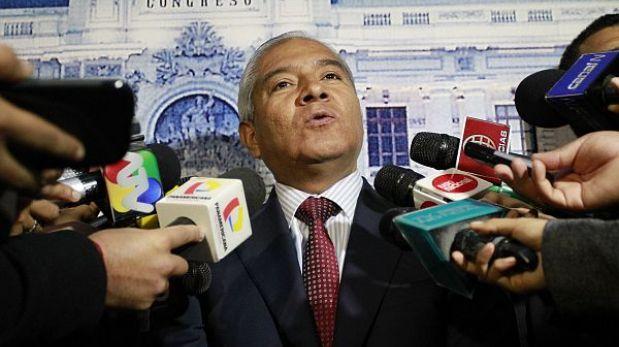 Ministro Pedraza acudirá hoy al Congreso por caso López Meneses