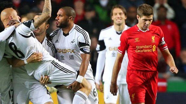 Liverpool resignó empate 2-2 ante Swansea pero se mantiene como líder