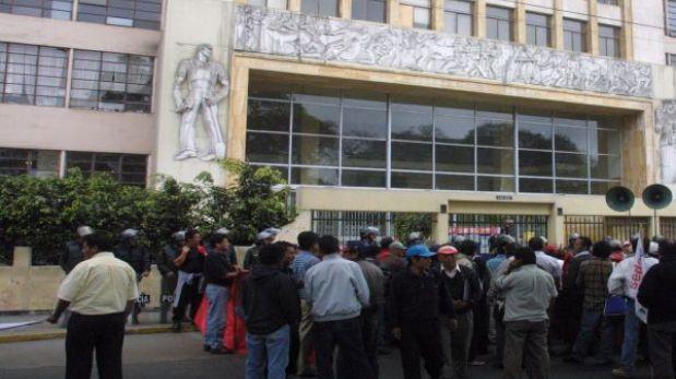 Otra falsa alarma de bomba en Lima: esta vez fue en el Ministerio de Trabajo