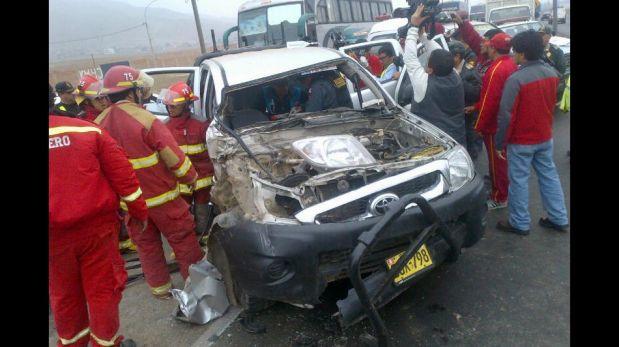 FOTOS: así terminó esta camioneta tras violento choque contra tráiler en Ancón