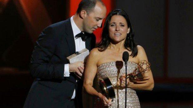 Emmy 2013: Jim Parsons y Julia Louis-Dreyfus ganan primeros premios