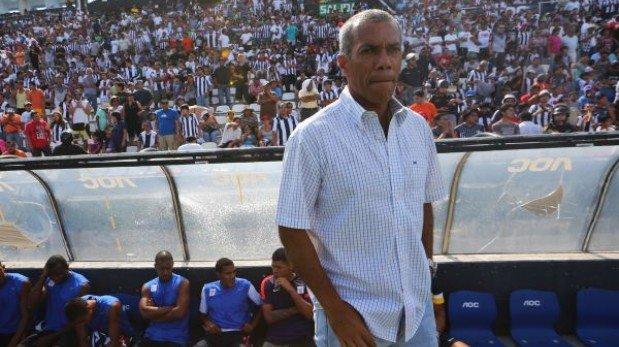 Wilmar Valencia dirigiría hoy su último partido como DT de Alianza Lima