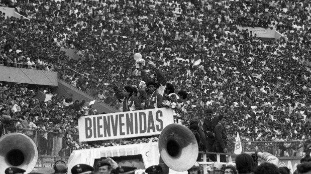 Un día como hoy hace 25 años la selección peruana de vóley logró la medalla de plata en Seúl 88 [FOTOS]